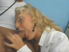 Blonde dilute has awe-inspiring sex and loves a facial